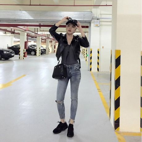 Phong cach thoi trang chang thua kem fashionista nao cua 'ban gai' Son Tung - Anh 4