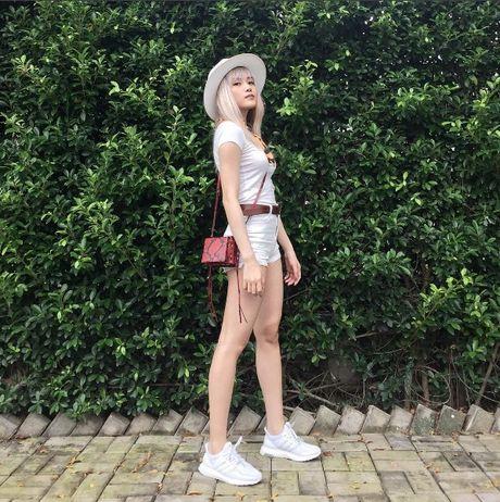 Phong cach thoi trang chang thua kem fashionista nao cua 'ban gai' Son Tung - Anh 7