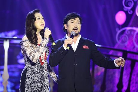Solo cung Bolero: Y Lan luon hanh phuc khi song ca cung Vu Khanh - Anh 1