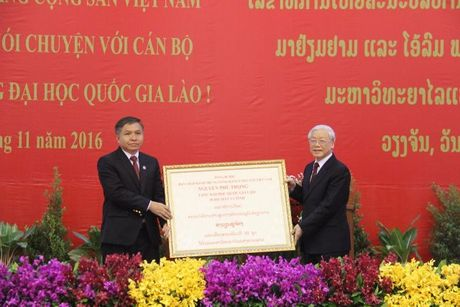 Tong Bi thu Nguyen Phu Trong tham CHDCND Lao - Anh 17