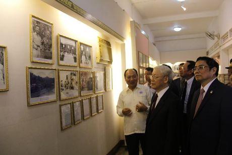 Tong Bi thu Nguyen Phu Trong tham CHDCND Lao - Anh 20