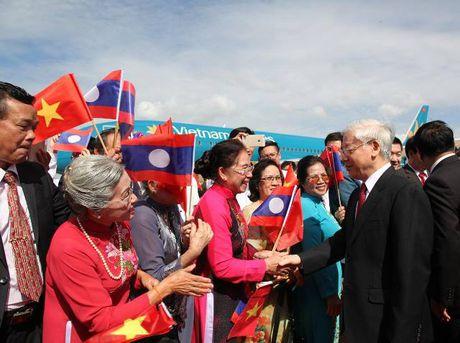Tong Bi thu Nguyen Phu Trong tham CHDCND Lao - Anh 2
