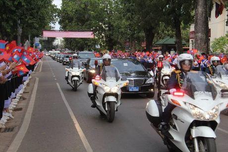 Tong Bi thu Nguyen Phu Trong tham CHDCND Lao - Anh 3