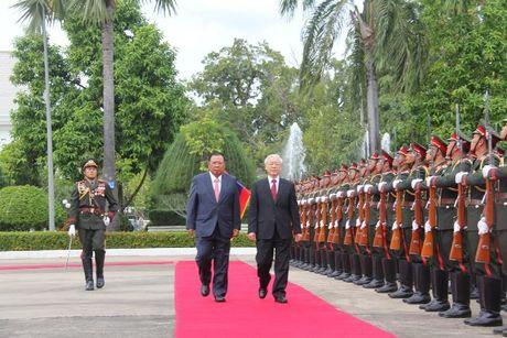 Tong Bi thu Nguyen Phu Trong tham CHDCND Lao - Anh 5