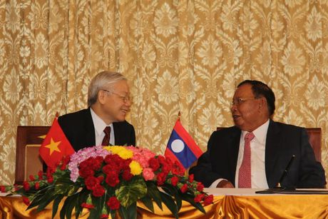 Tong Bi thu Nguyen Phu Trong tham CHDCND Lao - Anh 7