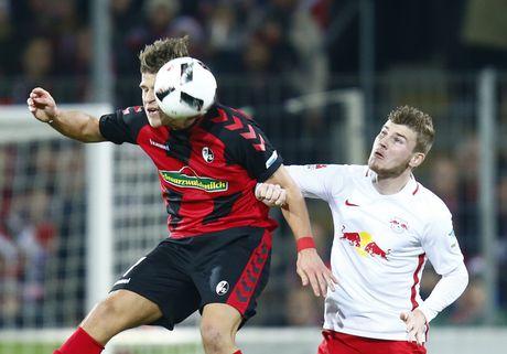 Doi bi ghet nhat nuoc Duc cung co vi tri so 1 Bundesliga - Anh 4