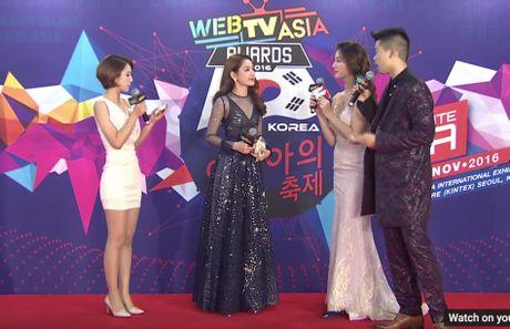 Chi Pu, vo chong Ly Hai hoi ngo chu nhan hit 'Apple Pen' - Anh 4