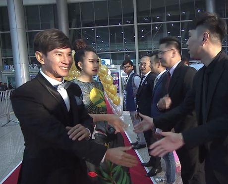 Chi Pu, vo chong Ly Hai hoi ngo chu nhan hit 'Apple Pen' - Anh 5