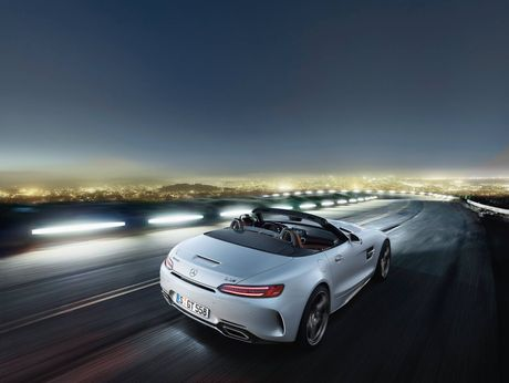 Ba sieu xe Mercedes-Benz moi cong bo gia - Anh 2