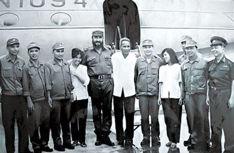 Nguoi lai chuyen co dua Fidel Castro tham vung giai phong mien Nam - Anh 1
