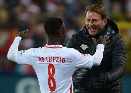 'Hien tuong' RB Leipzig thang tran thu 7 lien tiep, bo xa Bayern 6 diem - Anh 1