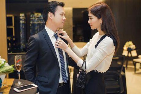 Hoa hau Thu Thao ngay cang ho tro cho su nghiep cua ban trai - Anh 2
