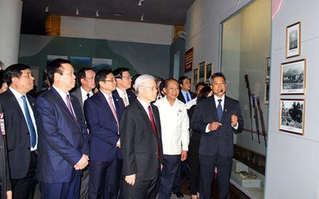 Hoat dong cua Tong Bi thu Nguyen Phu Trong tai Lao - Anh 2