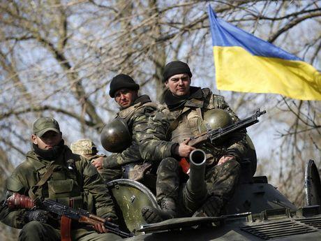 Ukraine bi to na phao du doi vao cac khu dan cu mien Dong - Anh 1