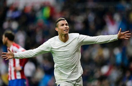 Ronaldo lap cu dup, Real 'nhoc nhan' giu lai 3 diem tren Bernabeu - Anh 2
