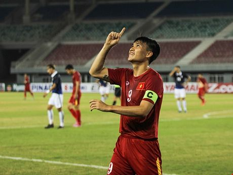 Viet Nam 2-1 Campuchia: Cau thu nao hay nhat tran? - Anh 3