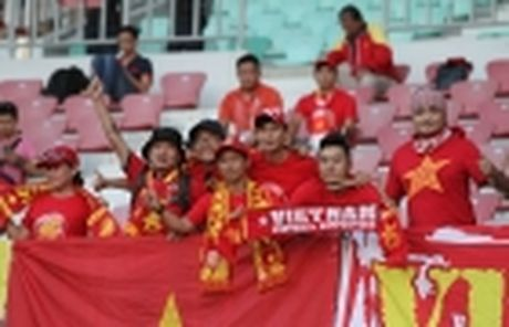 Viet Nam 2-1 Campuchia: Cau thu nao hay nhat tran? - Anh 8