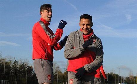 Arsenal ron rang chuan bi 'tiec mung' ngay tai ngo Wilshere - Anh 8