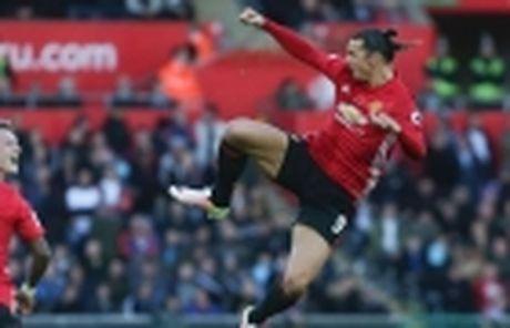 Scholes: Ibrahimovic khong the la tien dao chu luc cua M.U - Anh 5