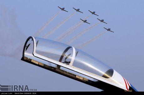 Nga mon moi cho Iran mua chien dau co Sukhoi, MiG - Anh 1