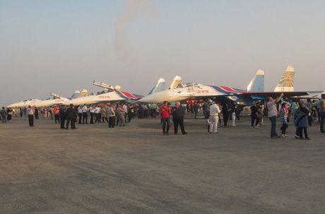 Nga mon moi cho Iran mua chien dau co Sukhoi, MiG - Anh 3