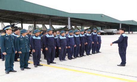 Tiem kich Su-30MK2 chinh thuc thay the MiG-21 tai Trung doan 927 - Anh 3