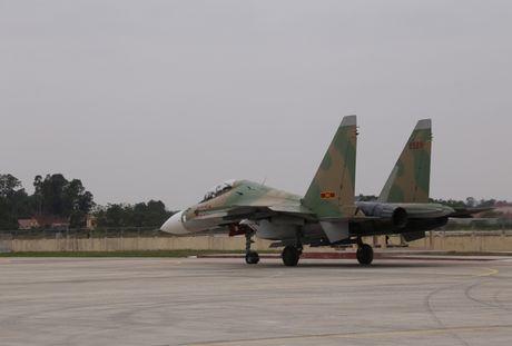 Tiem kich Su-30MK2 chinh thuc thay the MiG-21 tai Trung doan 927 - Anh 8