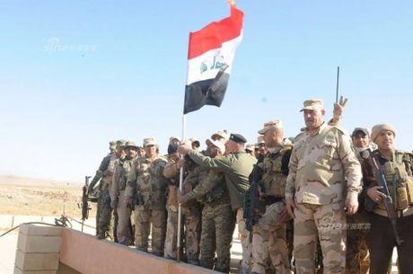 Muc kich tang, phao Quan doi Iraq xa mua dan vao Mosul - Anh 10