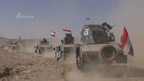 Muc kich tang, phao Quan doi Iraq xa mua dan vao Mosul - Anh 12