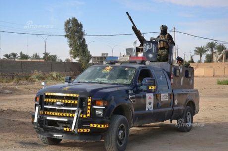 Muc kich tang, phao Quan doi Iraq xa mua dan vao Mosul - Anh 15