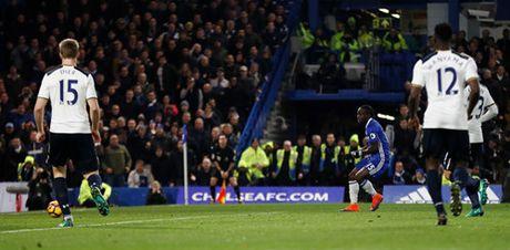 Ket thuc chuoi tran bat bai cua Tottenham, Chelsea giu vung ngoi dau Premier League - Anh 4