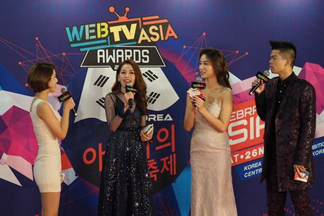 Chi Pu tham du Webtasia Awards 2016, mot lan nua tu tin toa sang o xu Han - Anh 2