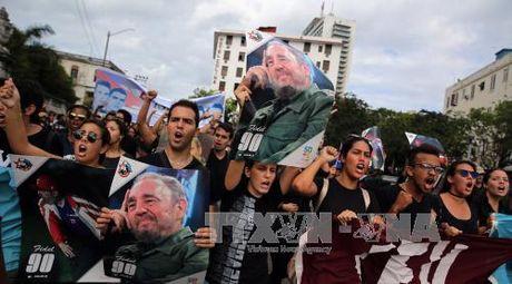 Sinh vien Cuba tuan hanh tuong niem Lanh tu Fidel Castro - Anh 1