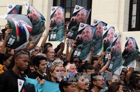 Sinh vien Cuba tuan hanh tuong niem Lanh tu Fidel Castro - Anh 3