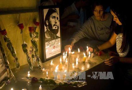 Algeria to chuc quoc tang tuong nho lanh tu Cuba Fidel Castro - Anh 1