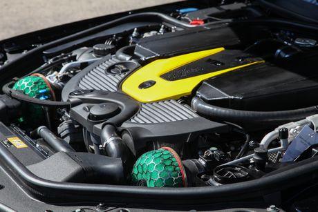 'Phu phep' chiec Mercedes-Benz SL65 manh ngang ngua Aventador - Anh 2