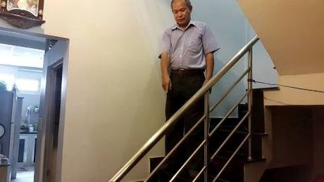 Bi thu Dinh La Thang chi dao giai quyet dut diem vu ban nha khong ban cau thang - Anh 1