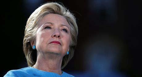 Thua nhan that bai truoc ong Trump, ai thuyet phuc ba Clinton 'choi dep'? - Anh 1