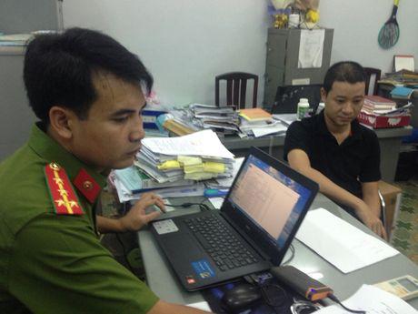 Pho Giam doc cung ke toan truong mao khach hang 'giai ngan' hon 16 ty dong - Anh 1