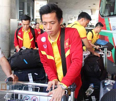 Sap da ban ket AFF Cup, DT Viet Nam bi fan quay kin o san bay - Anh 12