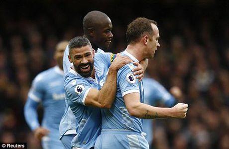 Watford – Stoke City: Phan luoi va the do - Anh 1