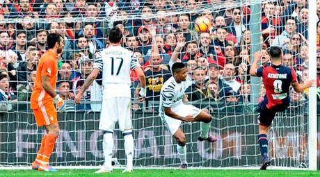 Genoa - Juventus: Cu soc 11 nam moi thay - Anh 1