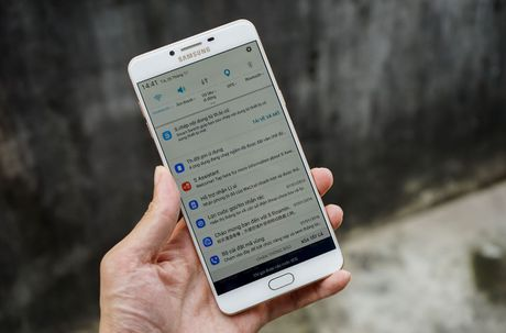 Galaxy C9 Pro voi 6GB RAM, 64GB bo nho trong da ve Viet Nam - Anh 4