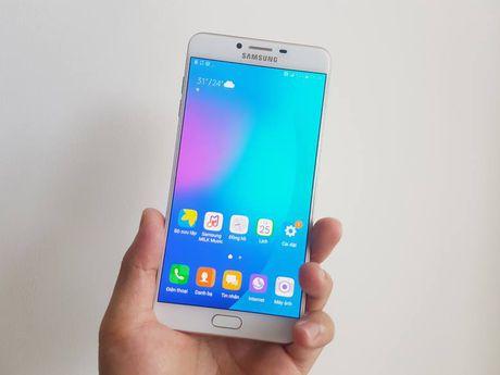 Galaxy C9 Pro voi 6GB RAM, 64GB bo nho trong da ve Viet Nam - Anh 6