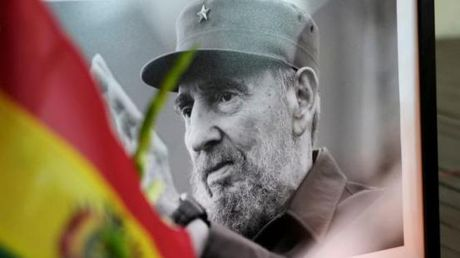 Bao Cuba thay mau muc tuong niem lanh tu Fidel Castro - Anh 1
