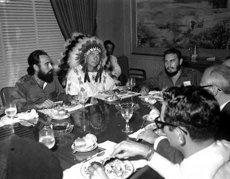 Thoi trai tre cua nha cach mang vi dai Cuba Fidel Castro - Anh 20