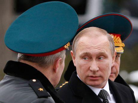 Nga ban S-400, Su-35: Uu ai Trung Quoc hay An Do? - Anh 1