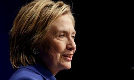 Clinton muon gop suc vao no luc kiem lai phieu bau - Anh 1