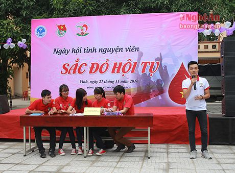 Chu nhat soi dong cung Sac do hoi tu Dai hoc Y Khoa Vinh - Anh 3