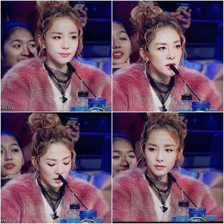 Dara gay xuc dong manh voi buc thu tay an ui fan sau khi 2NE1 tan ra - Anh 2